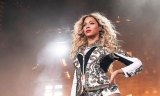 Beyoncé's surprise iTunes album sells 829k copies in first three days 49121