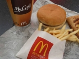 Fast food is the 'unhealthy choice', McDonald's tells its own staff 49127